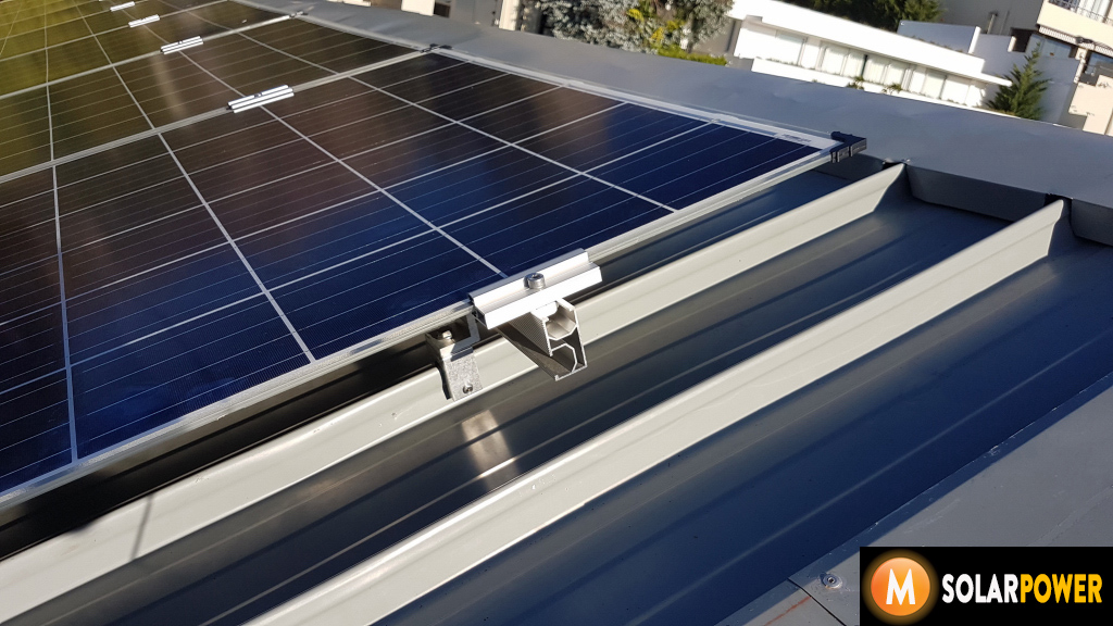 Double Glass Solar Panels Mounted On A Narrow Seam Kliplok